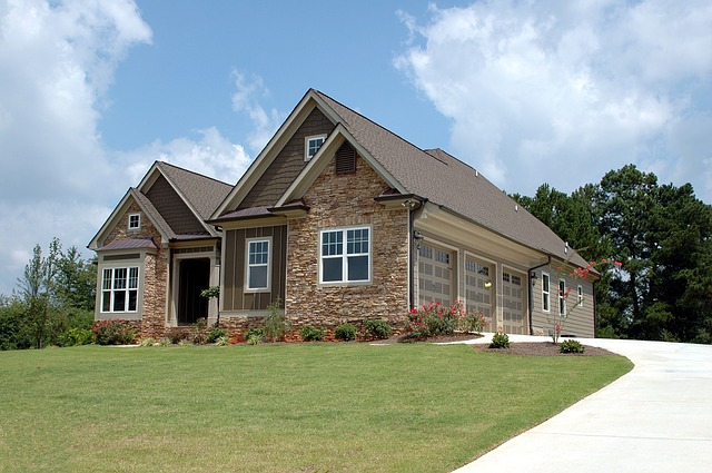 dům a tři garáže.jpg
